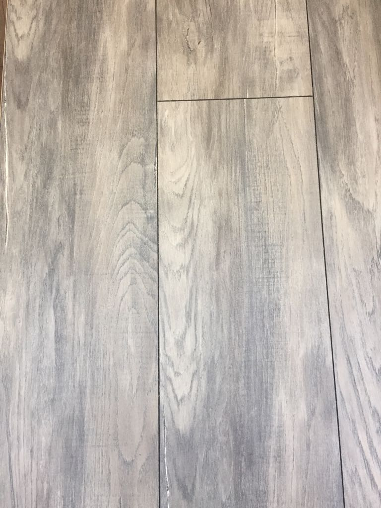 Helvetic Floors Lake Lem 225 N 8 Mm Xxl Laminaathal